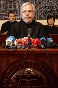 Tribunal Constitucional – Um empecilho ou uma faísca de sanidade