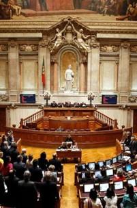 Menos deputados: demagogia ou uma necessidade?