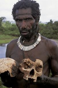 Existem ainda tribos canibais?