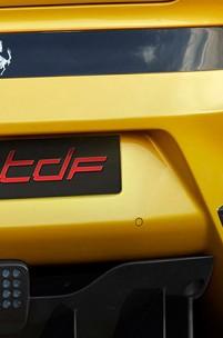 """A """"bella macchina"""" conhecida como Ferrari F12 TDF"""